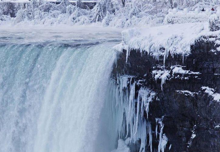 Espectacular vista de las cataratas del Niágara desde Ontario, Canadá. (Agencias)