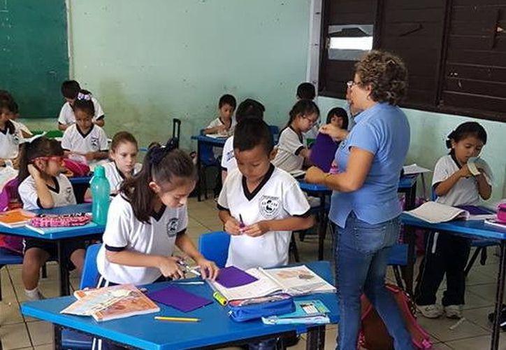 """A los maestros les preocupa que la primera quincena de octubre será """"larga"""". (Foto: Milenio Novedades)"""