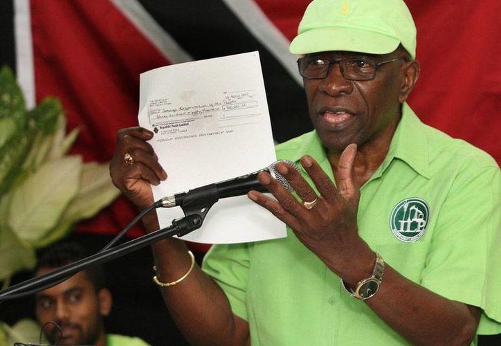 Fotografía de archivo de Jack Warner, exvicepresidente de FIFA, quien está acusado de corrupción durante su gestión como cabeza del organismo rector del futbol munidial. (AP/Archivo)