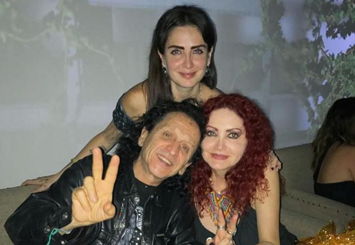 """El excéntrico líder del grupo de rock """"El Tri"""", estuvo acompañado de su esposa 'Chela Lora' y su hija. ( Foto: Instagram)"""
