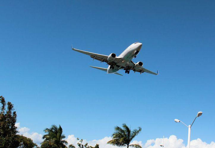 Los vuelos chárter con varios destinos de Estados Unidos, comenzarán el 25 de mayo. (Gustavo Villegas/SIPSE)