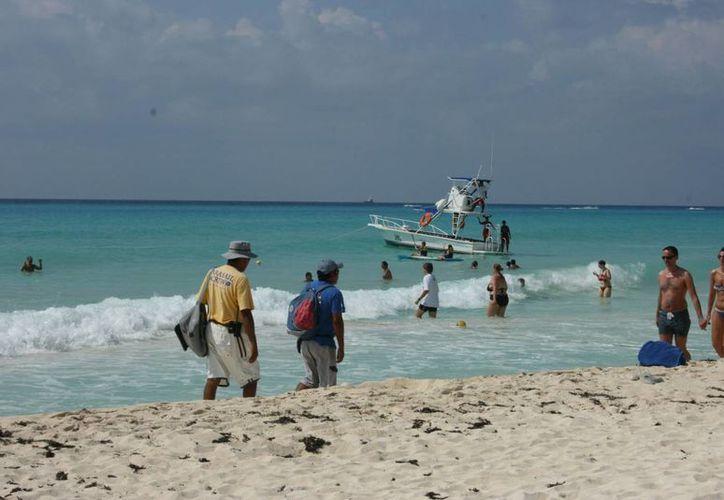 Aumenta la presencia de turistas en las playas de la Riviera Maya. (Adrián Barreto/SIPSE)