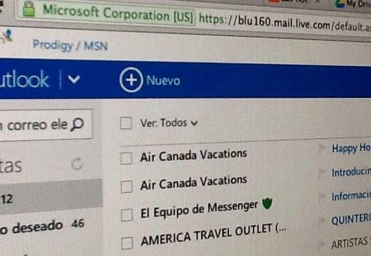 Algunos usuarios ya son dirigidos directamente a Outlook. (Foto: SIPSE)
