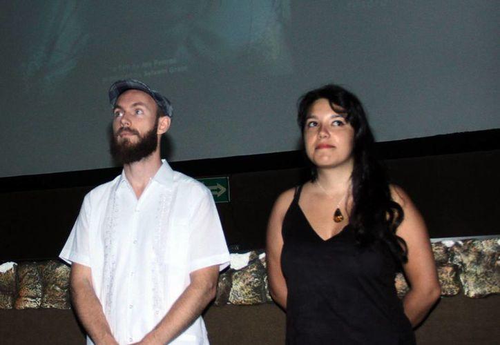 El productor Silvain Grain (Izq) y Joy Penroz presentaron en el siglo XXI el  proyecto del filme sobre el inframundo maya (Jorge Acosta/Milenio Novedades)