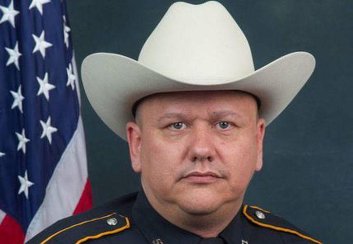 Foto sin fecha del agente Darren Goforth, quien recibió varios tiros cuando se encontraba en una gasolinera, en Houston, Texas. (AP)