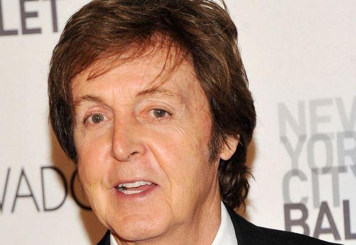 El ex Beatle contactó con la referida publicación después de que en agosto pasado se anunciara el cambio a formato digital. (Archivo AP)