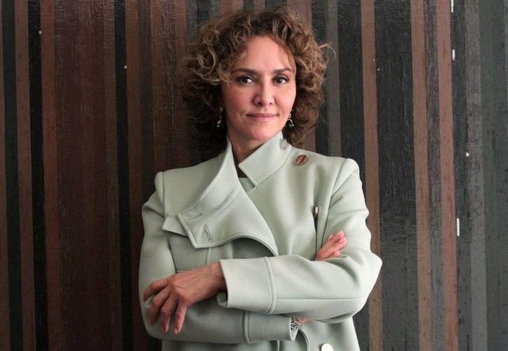 Angélica Fuentes, todavía esposa de Jorge Vergara, dueño de Chivas de Guadalajara, ya cuenta con un amparo para evitar ser detenida. (Notimex)