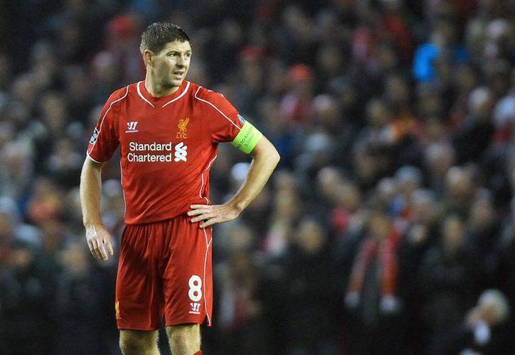 Gerrard ha jugado toda su carrera profesional con el club Liverpool, pero ahora lo hará con el LA Galaxy. (EFE)
