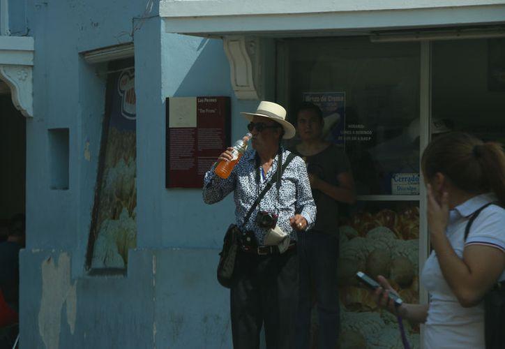 Intenso calor en la capital yucateca. (José Acosta/ SIPSE)