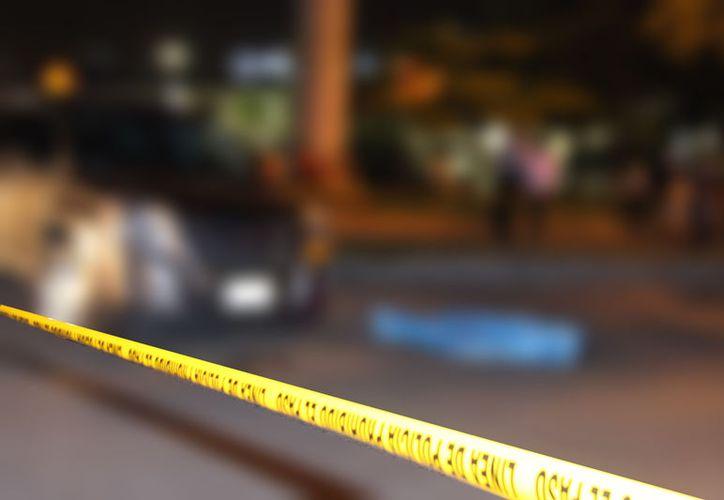 Una mujer que atropelló un mató a un peatón, frente a la Macroplaza, en Mérida. (Martín González/SIPSE)
