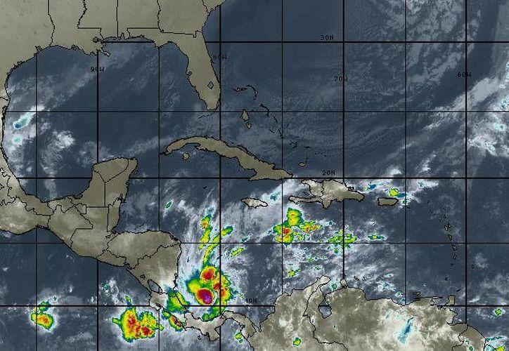 Los vientos oscilarán en los 21 kilómetros por hora en Cancún. (Intellicast)