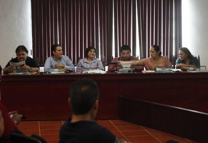 El regidor Ariel Novelo Morales señaló que no existió la voluntad ni el interés para poner en marcha los nuevos reglamentos. (Archivo/SIPSE)