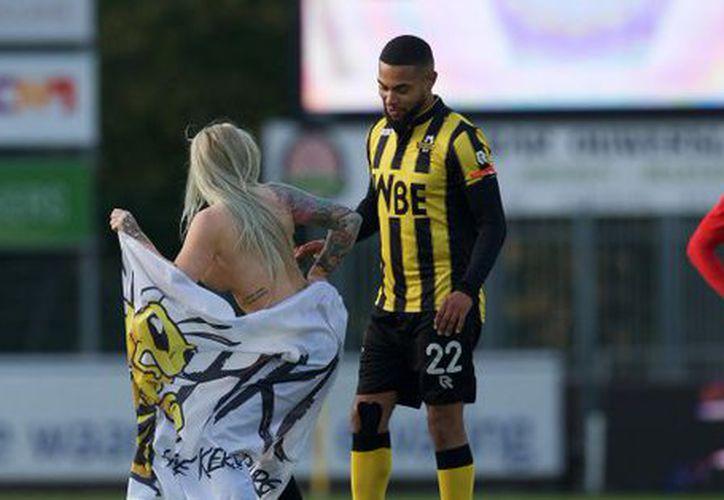 Contrataron una stripper para distraer al equipo rival y perdieron. (Foto: Twitter)
