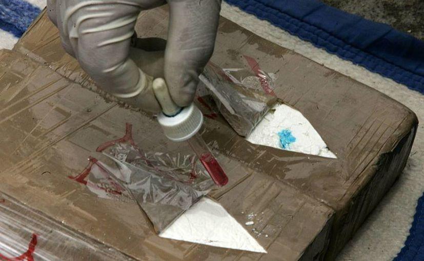 La droga estaba dividida en tres paquetes en forma de ladrillos. (EFE/Foto de contexto)
