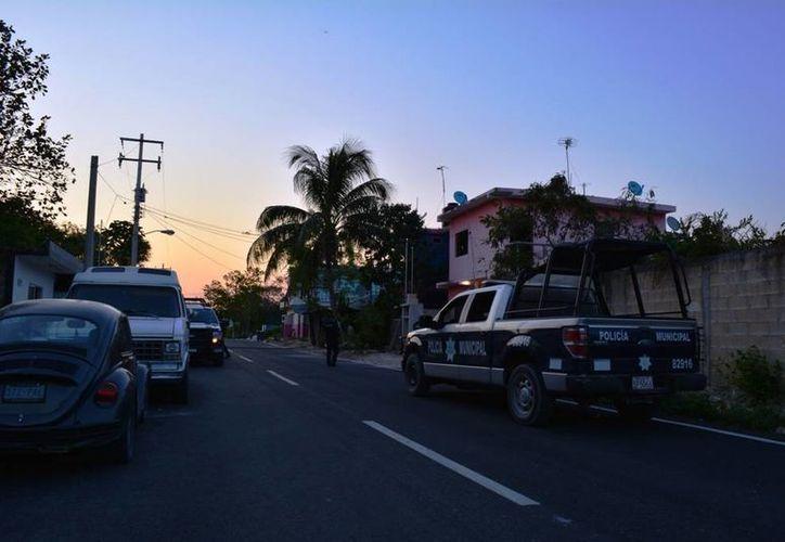 Una familia fue asaltada cuando se encontraba dentro de su vivienda, ayer en Playa del Carmen. (Redacción/SIPSE)
