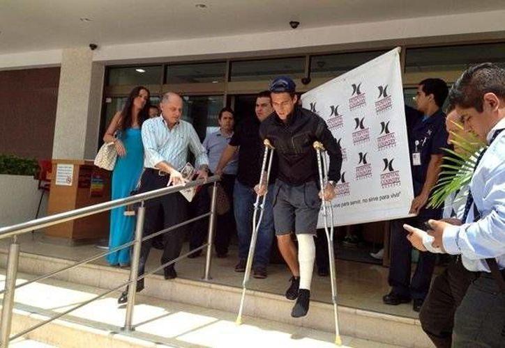 El central mexicano fue despedido del hospital entre aplausos. (Mediotiempo)