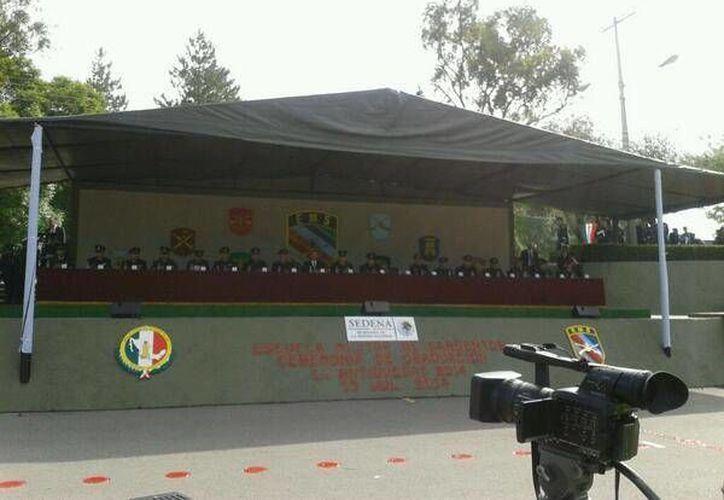 El titular de la Sedena encabezó en Puebla la graduación de más de 650 elementos de la Escuela Militar de Sargentos de la 25 Zona Militar. (Twitter.com/@Ubarrancotv)