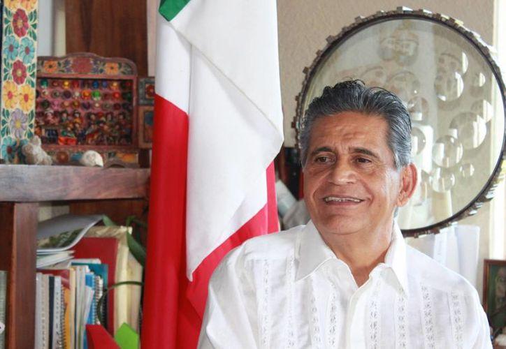 El arquitecto, empresario, jugador de tenis, emprendedor y visionario ha dedicados 25 años al turismo. (Adrián Barreto/SIPSE)