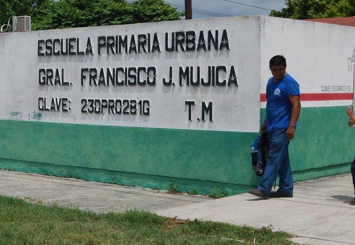 En la primaria Francisco J. Mújica no hay maestros para cubrir el tiempo completo. (Ángel Castilla/SIPSE)