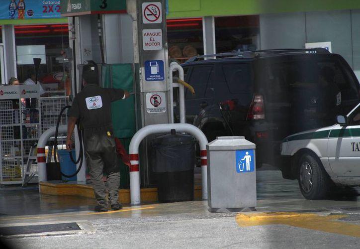 Los ciudadanos podrán localizar la gasolinera que les queda más cerca. (Sergio Orozco/SIPSE)