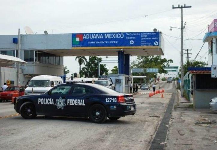 El cierre del antiguo puente provocó una involuntaria crisis económica para los habitantes de Subteniente López. (Archivo/SIPSE)