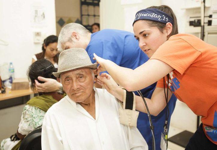 Especialistas en audiología provenientes de las Universidades de Oklahoma y Florida participan en la Jornada de Salud Auditiva en Yucatán. (Cortesía)