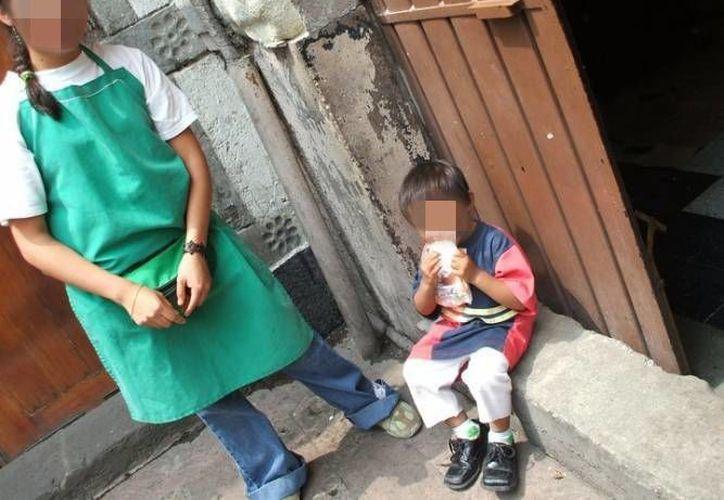 Existen niños con niveles intermedios de pobreza con apoyo hasta de dos programas de gobierno, mientras niños en pobreza extrema, no cuentan con ninguno. (Archivo/SIPSE)
