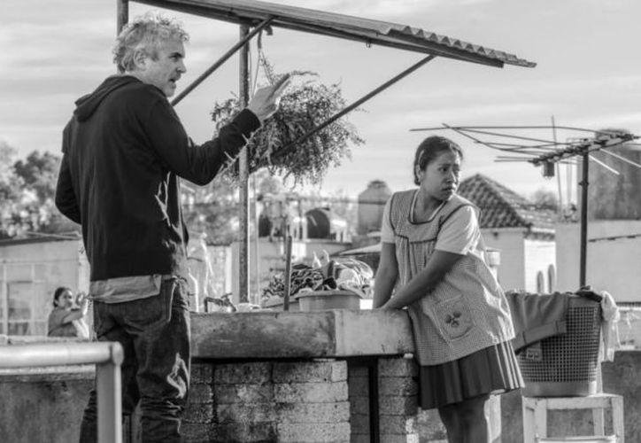 Alfonso Cuarón, que ha cosechado muchos elogios y ya algunos premios importantes, ahora está nominado a los Globos de Oro por Roma. (Foto AP)