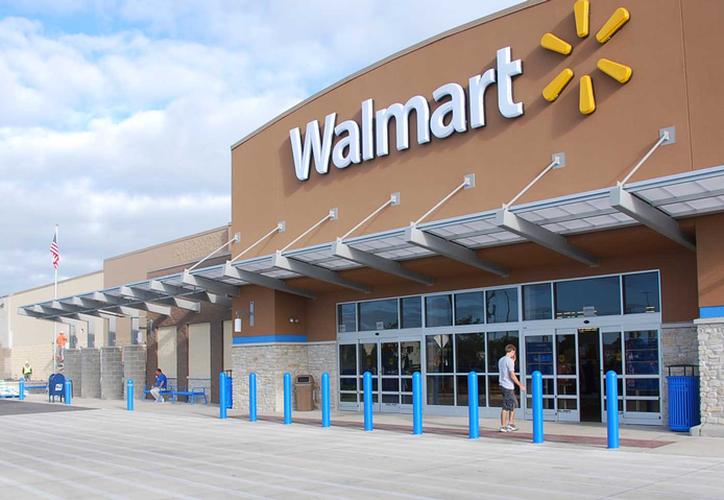 Walmart dijo que eliminará elementos del sitio web que asemejan a rifles de asalto. (El dictamen)