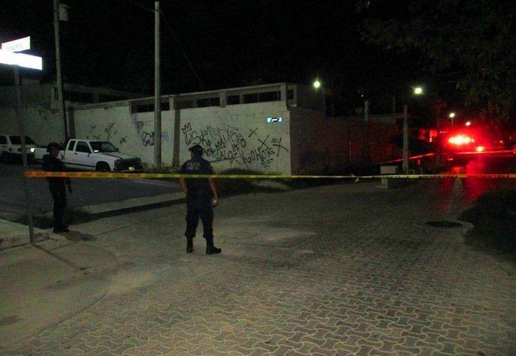 Un hombre fue ejecutado la madrugada del 24 de mayo en la Quinta Avenida, en la colonia Colosio, de Playa del Carmen. (Redacción/SIPSE)