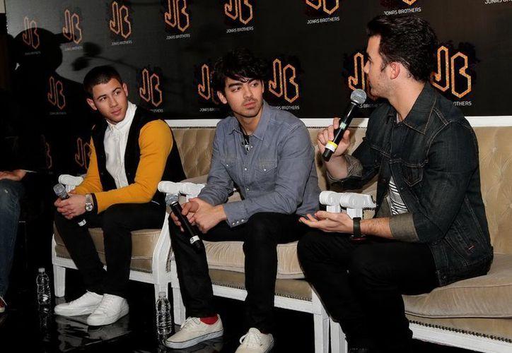 Los Jonas Brothers se dijeron muy felices de visitar México. (Notimex)