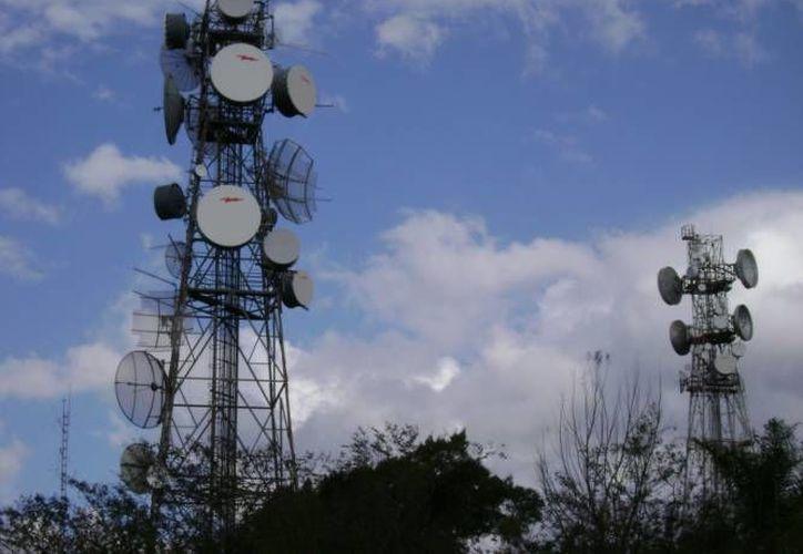 Actualmente existen tres mil 323 títulos de concesión en el sector de telecomunicaciones. (SIPSE)