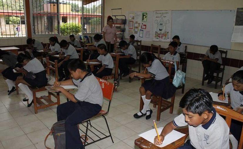Concluye  la Evaluación Nacional de Logro Académico en Centros Escolares a estudiantes de primaria, siguen los de secundaria. (SIPSE)