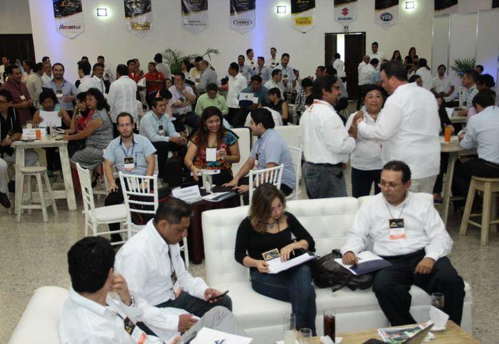 El dirigente de la Canirac, Alvaro Mimenza Aguiar declaró que el Canaco Business Club ayuda a encontrar a distribuidores totalmente confiables. (Jorge Acosta/SIPSE)