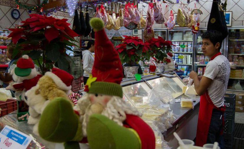 Los alimentos incluidos en la cena de fin de año son por lo general hipercalóricos. (Notimex)