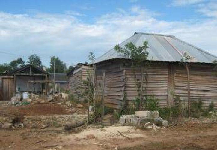 El año pasado el gobierno prometió dar recursos  par vivienda al Movimiento Antorcha Campesina.  (Redacción/SIPSE)