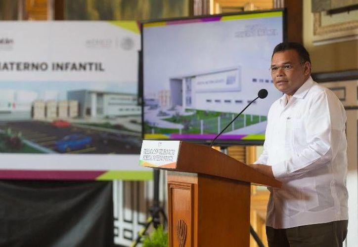 Rolando Zapata Bello anunció la participación de más de 20 empresas yucatecas en el Pabellón de México de la Feria Internacional de La Habana. (Imagen de contexto de Milenio Novedades)