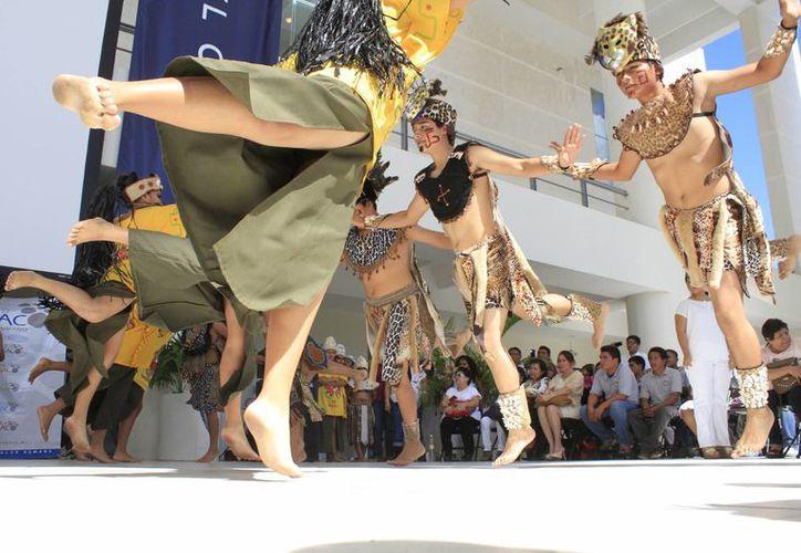 Los pequeños artistas han visitado más de 25 países, promoviendo la cultura maya. (Sergio Orozco/SIPSE)