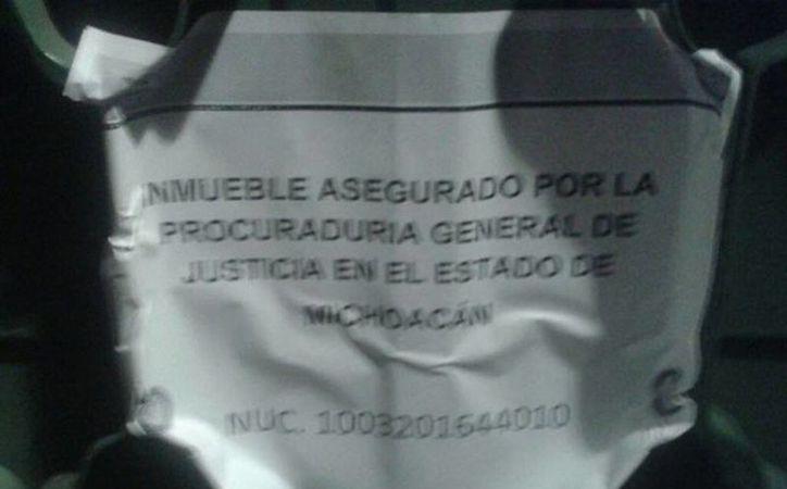 En Morelia, la policía cerró un negocio donde se realizaba la presunta corrupción de menores; en otro hecho, asesinan a un policía. (Milenio Novedades)