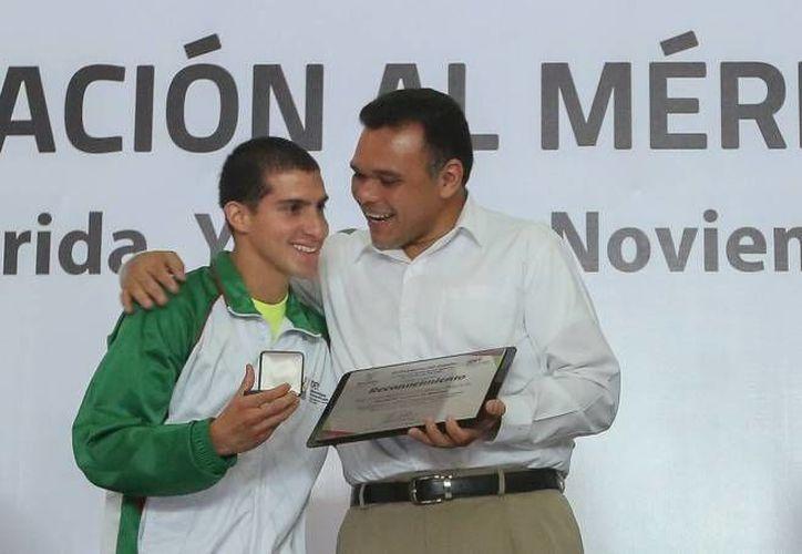 El gobernador Rolando Zapata inaugurará una empresa este miércoles. (Foto de contexto de SIPSE)