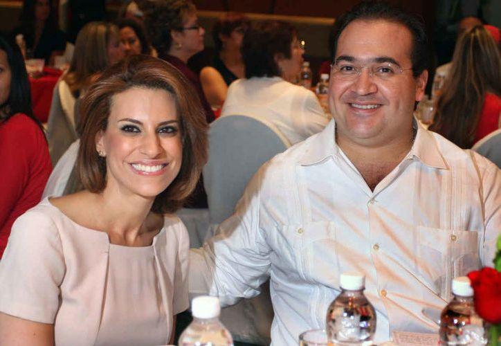 Yunes develó la ubicación exacta de la esposa de Duarte, Karime Macías y su familia en Londres. (Internet)