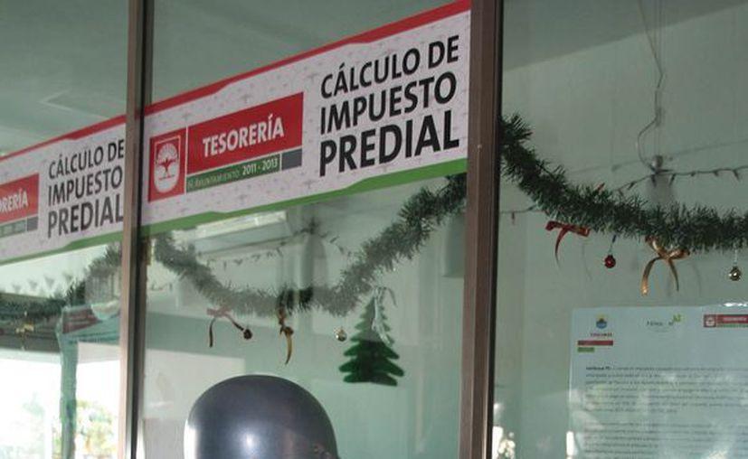 Las autoridades buscan aumentar la recaudación del impuesto predial. (Julián Miranda/SIPSE)