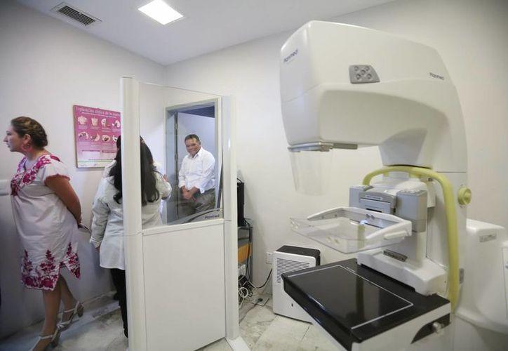 El gobernador Rolando Zapata Bello entregó este miércoles obras médicas en gira por Valladolid. (Fotos cortesía del Gobierno de Yucatán)