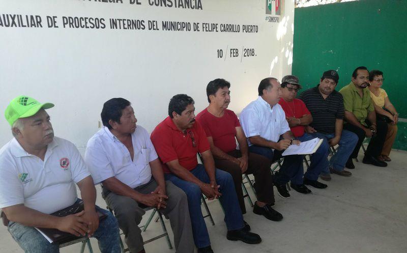 Los cuatro ex integrantes del tricolor hicieron proselitismo a favor de José Esquivel Vargas, candidato por la coalición 'Frente Por Quintana Roo'. (José Chi/SIPSE)