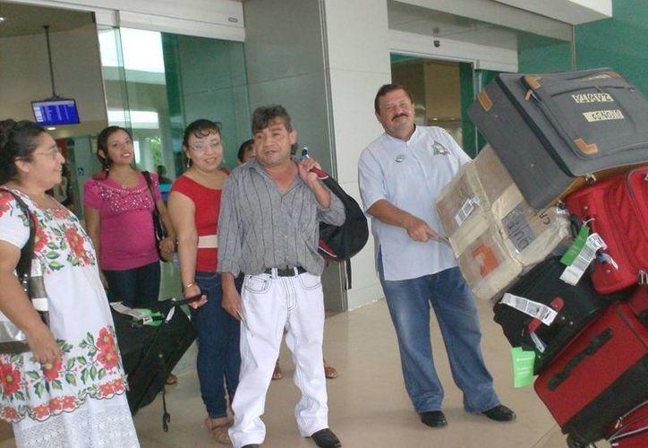 Las remesas de yucatecos que viven en el extranjero han ido en aumento en los últimos meses. En la foto, migrantes yucatecos. (Foto de contexto de SIPSE)