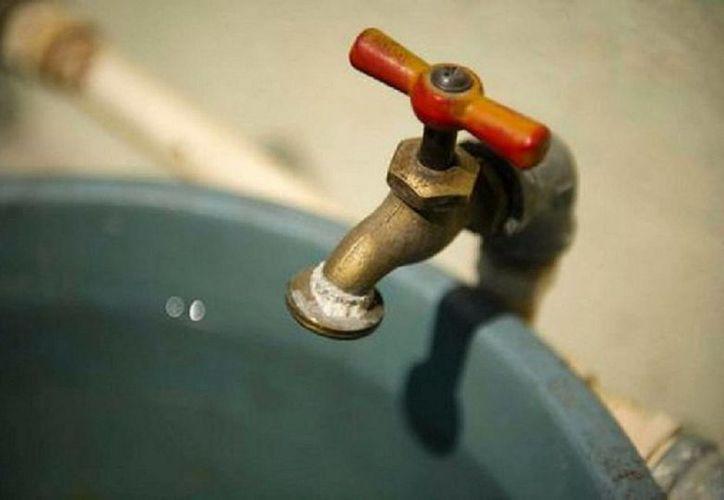 A la semana se reportaban 90 casos de fugas de agua potable en el pueblo mágico. (Javier Ortiz/SIPSE)