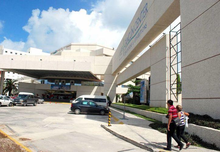 El recinto se ha consolidado en el segmento de congresos, ya que en 2010 captó 20 mil asistentes. (Tomás Álvarez/SIPSE)