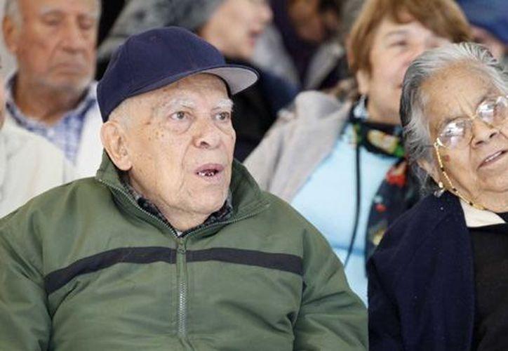 Las personas de más de 65 años representan más del 6% de la población mexicana. (Notimex)
