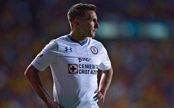 Cruz Azul hizo más en el encuentro y consiguió arrebatar el empate en el minuto 90+4, para el 1-1 en la fecha 13 del Torneo Apertura 2016. (Imagen tomada de Récord)