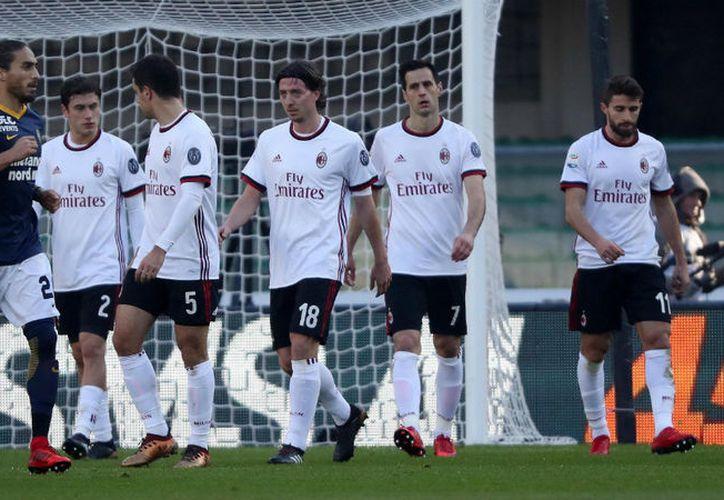 Milan cayó por goleado 3-0  ante el Hellas Verona. (Contexto/Internet)